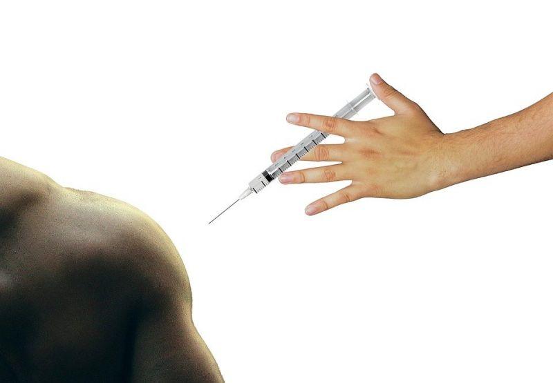 Vacina da AstraZeneca pode ser 90% eficaz contra covid, mostra teste
