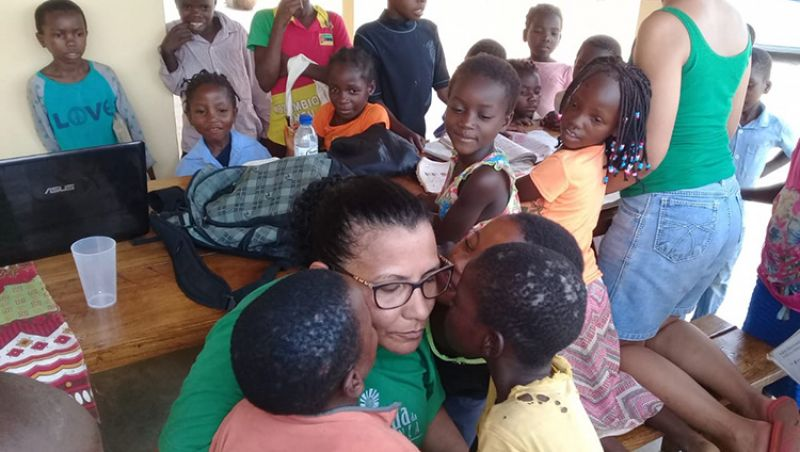 Cozinheira de JF infectada por malária na África está em casa