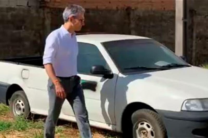 Para combater desperdício, Zema decide vender 2 mil veículos do Estado que estão parados