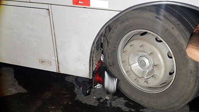 Motociclista fica ferido depois de bater em ônibus em Juiz de Fora