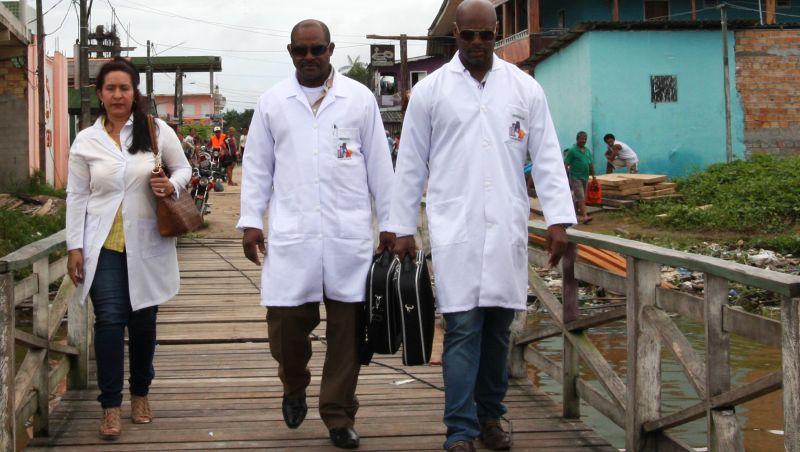 Prefeitos e secretários pedem para manter cubanos no Mais Médicos