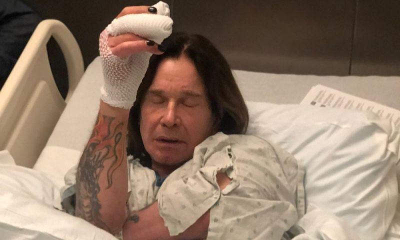 Ozzy Osbourne adia shows após cirurgia na mão