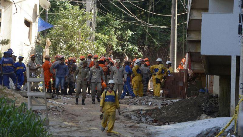 Bombeiros encontram corpo da última vítima desaparecida na Muzema