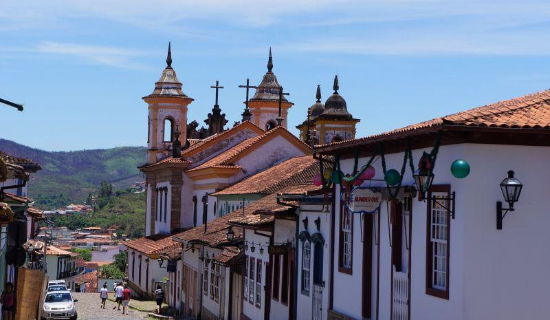 Prefeitura de Mariana abre concurso com salários de até R$12 mil