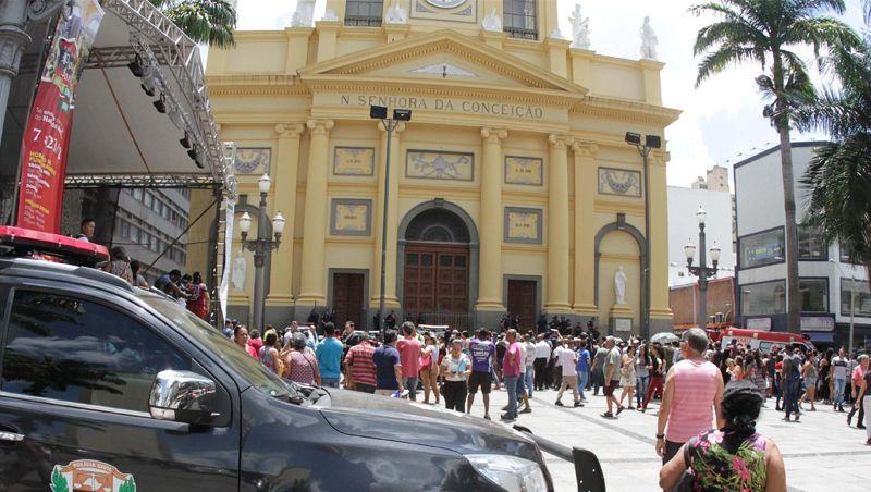 Homem de 84 anos está em estado grave após ser ferido em catedral
