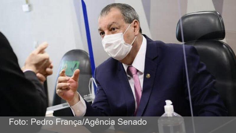 Ao vivo: Renan Calheiros apresenta relatório final da CPI