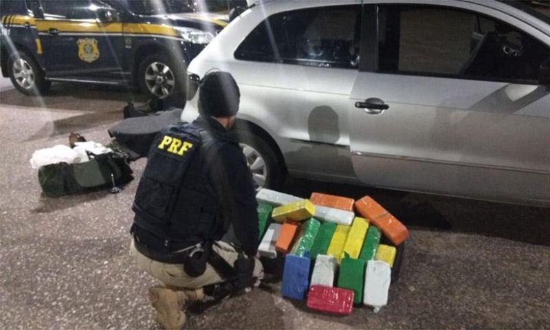 Casal é preso na BR-381 em carro com compartimento secreto para drogas