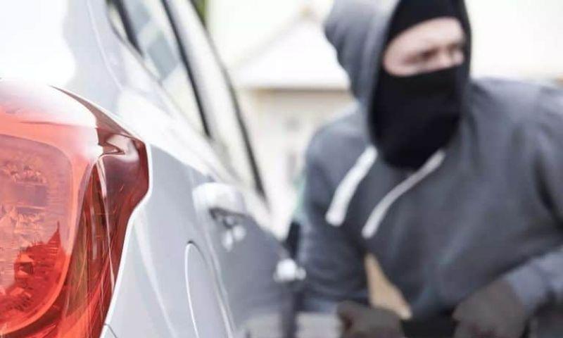 Estacionamento é responsável por roubo ou dano ao carro?