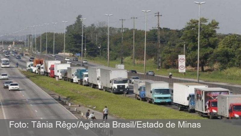 Caminhoneiros convocam outra assembleia para se mobilizar por greve