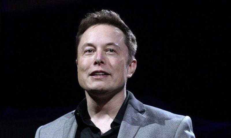 Golpistas se passam por Elon Musk no Twitter para roubar criptomoedas