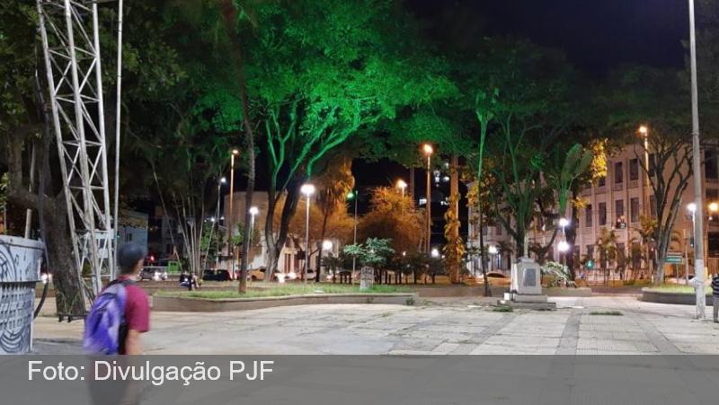 JF: Praça Antônio Carlos (PAC) recebe luminárias LED