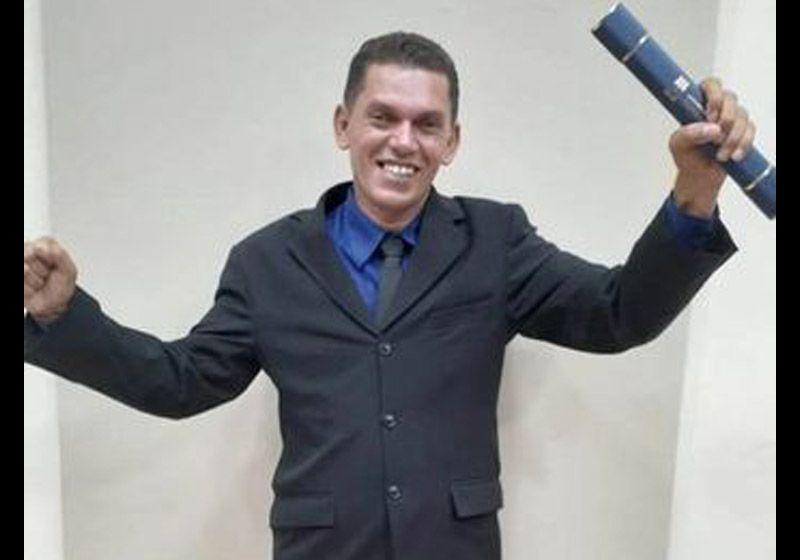 Ex-cortador de cana e gari se forma em Pedagogia aos 42 anos