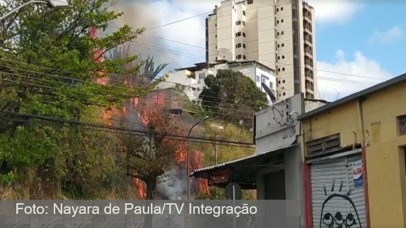 Incêndio é registrado no Bairro Mariano Procópio em Juiz de Fora