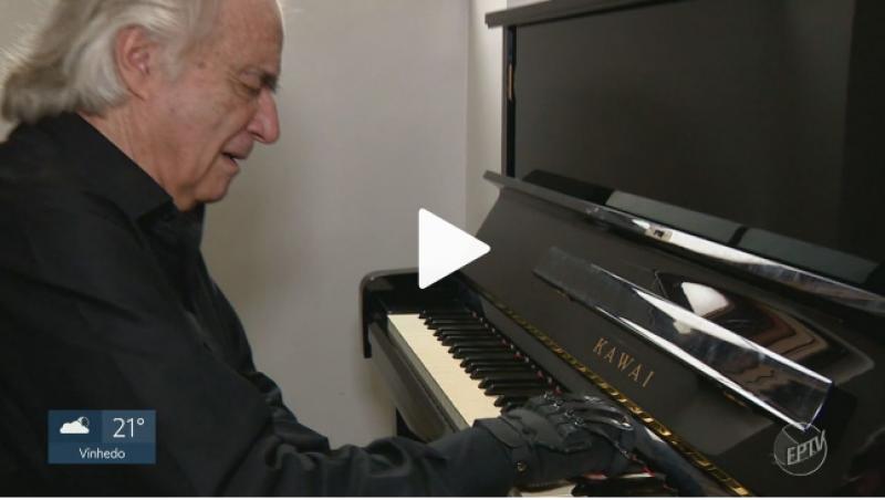 'É a 1ª vez em 22 anos que coloco 10 dedos no teclado', diz maestro João Carlos Martins sobre luva biônica que o fez voltar ao piano