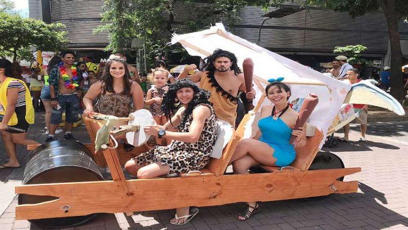 Os Flintstones de BH, grupo que chamou a atenção neste carnaval