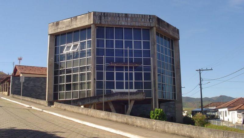 Prefeitura de Bom Jardim de Minas oferece concurso com 50 vagas
