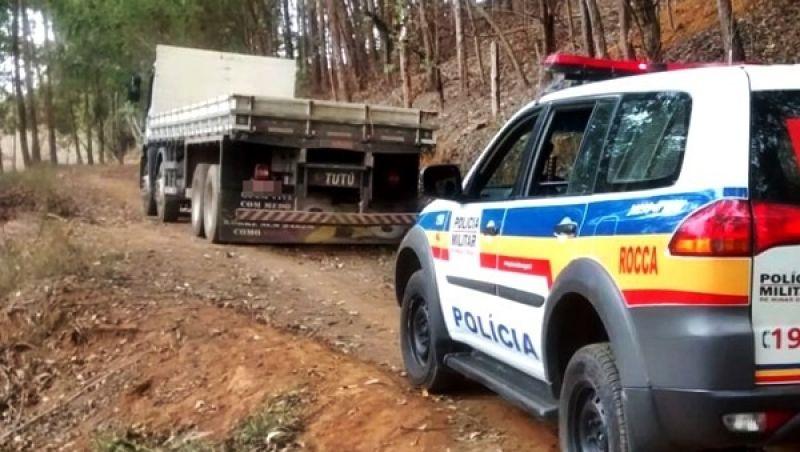 Bandidos rendem motorista em Matipó, roubam carga de café e abandonam caminhão na zona rural de Muriaé