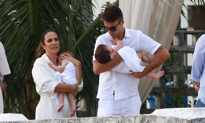 Yvete Sangalo batiza as filhas gêmeas em Salvador
