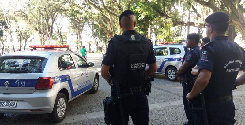 Guarda Municipal de Juiz de Fora e PM impedem furto no Centro