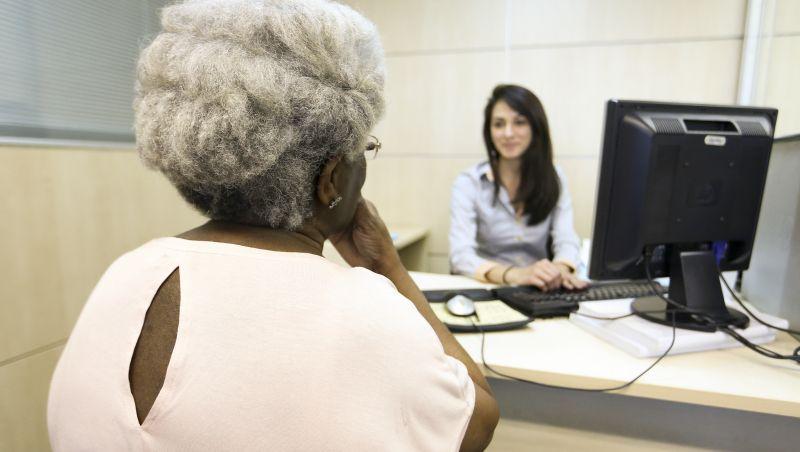 Modelo de saúde é do século passado, diz médico sobre cuidado a idosos