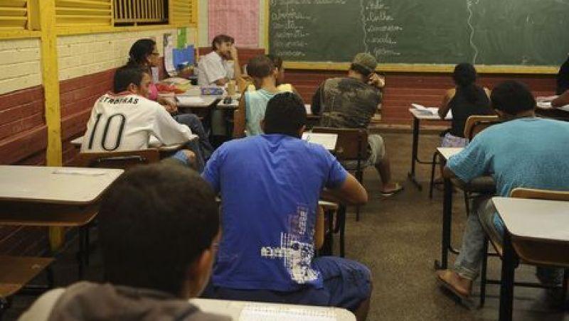 FNDE vai empenhar R$ 118,3 milhões para ensino médio integral