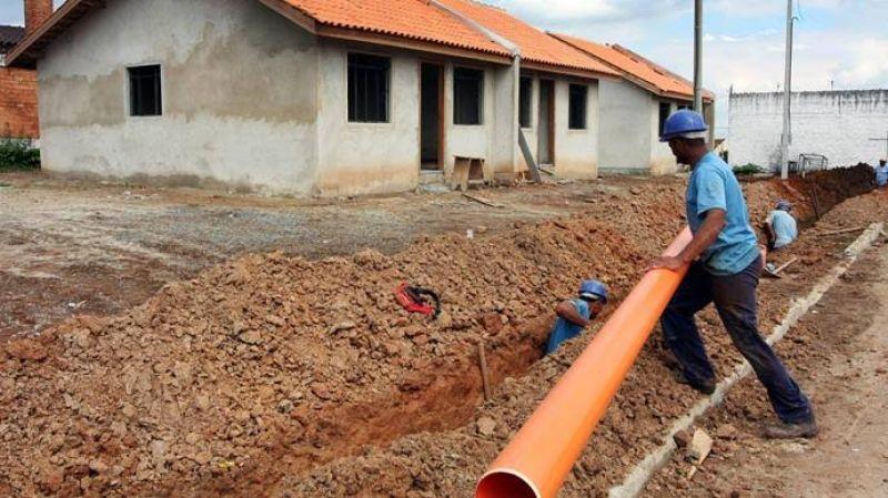 Mais 2 milhões de pessoas passam a ter esgoto e água potável em casa
