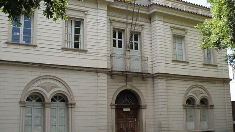 Prefeitura de Ubá oferece concurso com 161 vagas
