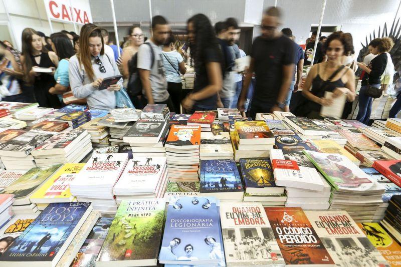 Faturamento do setor editorial diminui 25% em 12 anos