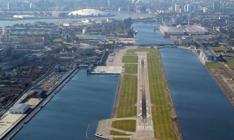 Aeroporto de Londres reabre após retirada de bomba da II Guerra Mundial