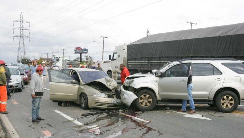 Brasil reduz mortes no trânsito, mas está longe da meta para 2020